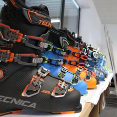 Bei der Preview on Snow am Arlberg wurden von Blizzard, Tecnica und Uvex die neuen Produkte für die Saison 17/18 vorgestellt - © Skiinfo