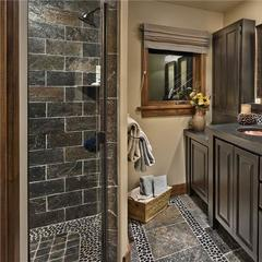 Master bathroom luxury