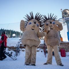 Maskot Ski Arény Karlov baví všechny návštěvníky střediska - © Ski Aréna Karlov