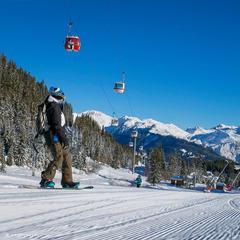 Plenty of intermediate runs in Courchevel - © Courchevel Tourisme