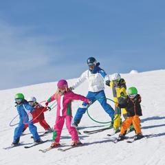 Met het hele gezin skiën in Beieren. - © Bayern Tourismus