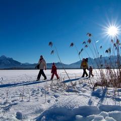 Sneeuwschoenwandelen in de mooiste gebieden in Beieren - © Bayern Tourismus
