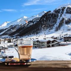 Kam za sněhem: Deset osvědčených tipů, kde si v dubnu zalyžujete - ©facebook Val d'Isere