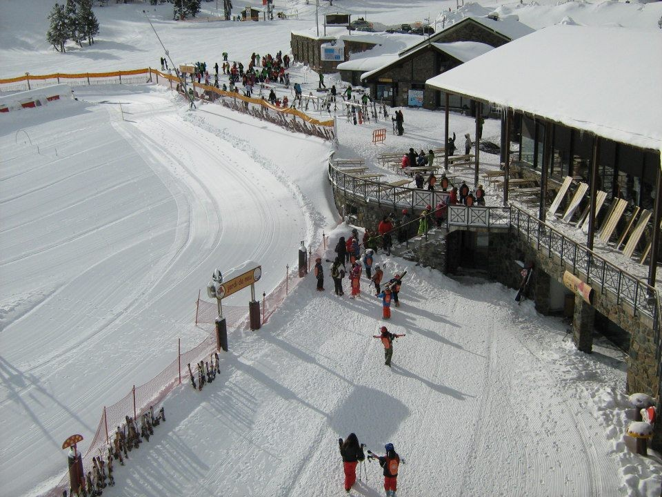 Skiing at Vallnord